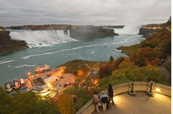 The famous Niagara Falls, found at the border of New York and Ontario. The falls is actually made up of three waterfalls: the Horseshoe Falls, the American Falls and the Bridal Veil Falls. (Image: © USGS.)